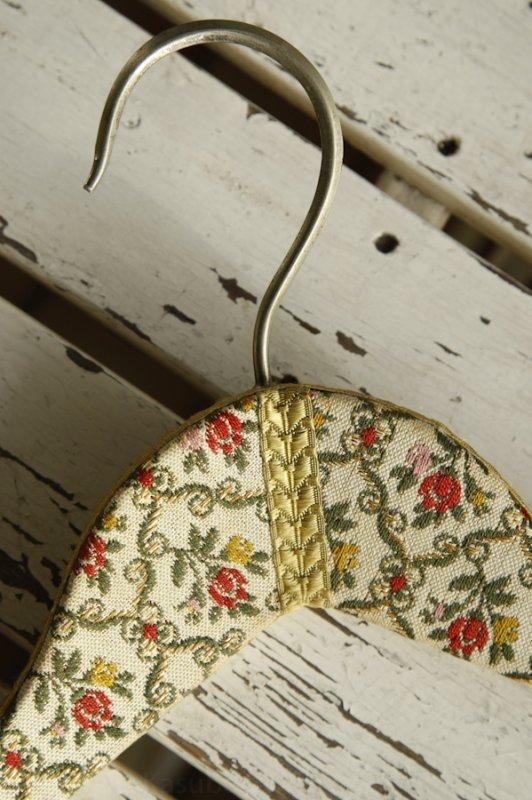 Kleiderbügel - florales Muster